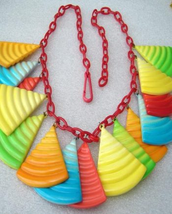 Vintage multicolors rainbow early plastic 1980's   dangles necklace