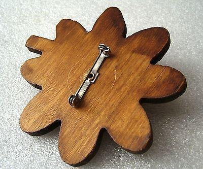Vintage  old art deco wood & early plastic  flower pin / brooch