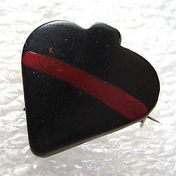 Vintage small spades or heart art deco early plastic pin brooch - bakelite era