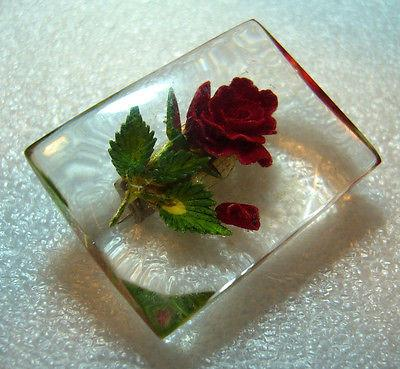 Vintage reverse carved lucite  pin brooch from the 50ies