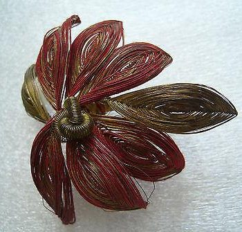 Vintage 1930 thread palm or flower pin / brooch