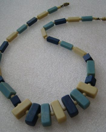 Vintage early plastic art deco necklace - bakelite style