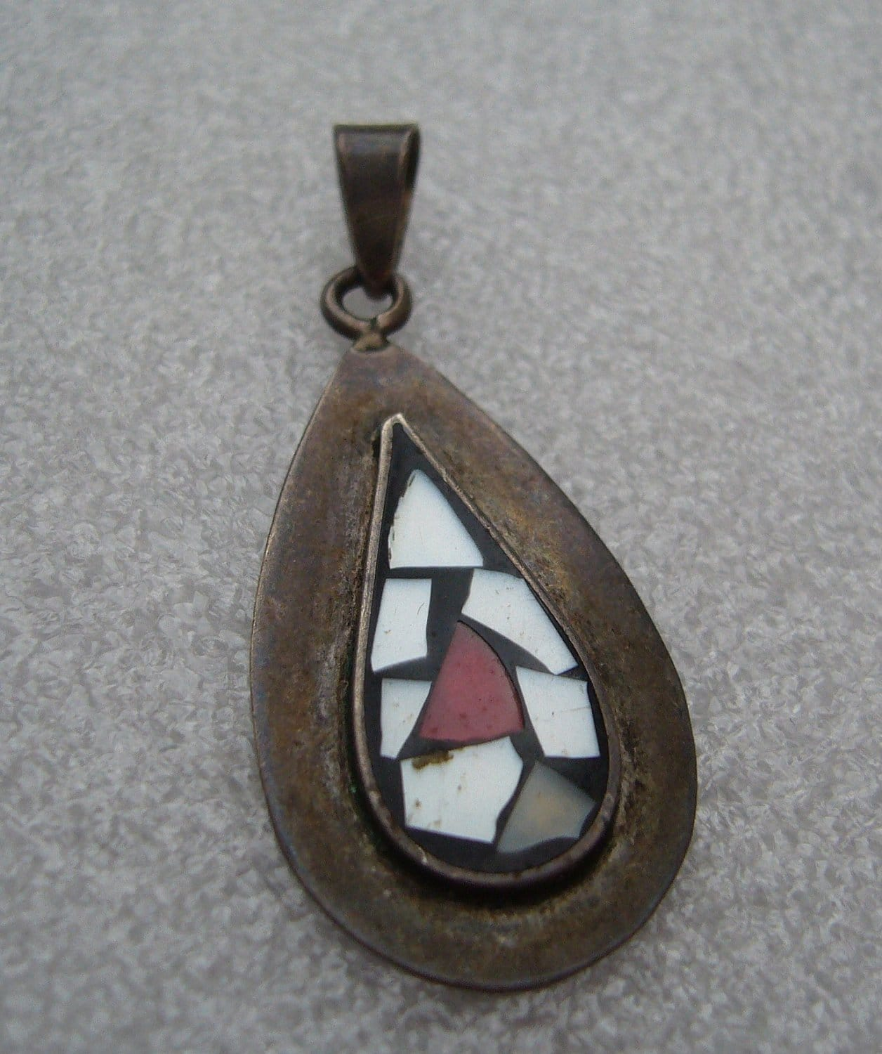 Israeli 1950 old mother-of-pearl silver pendant