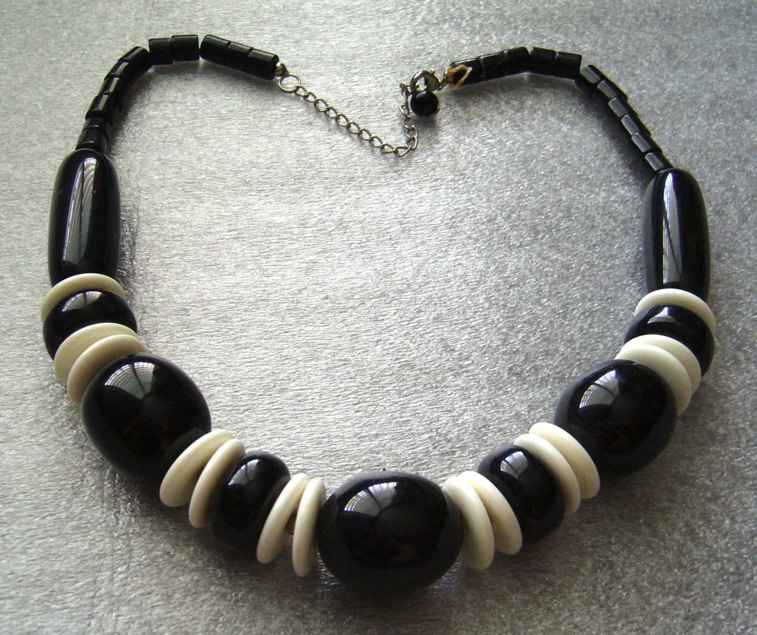 Vintage black and white  chunky  plastic necklace