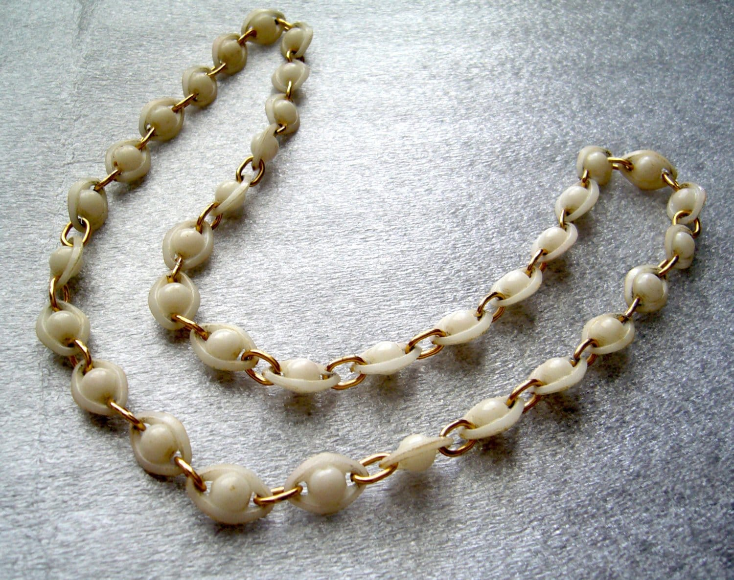 Vintage delicate white molded celluloid necklace