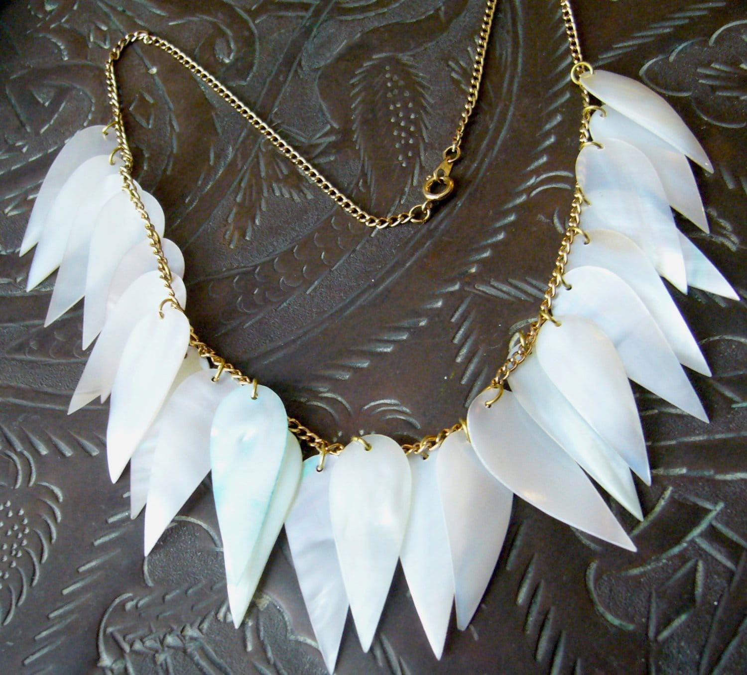 Vintage mother of pearl shell art deco chain necklace