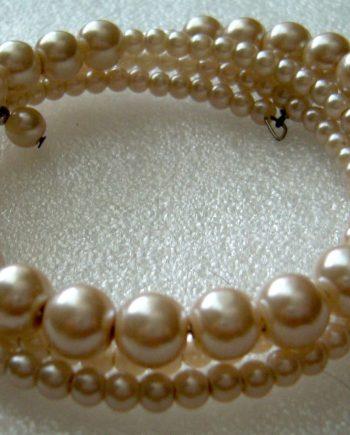 Vintage faux pearls wrap bracelet