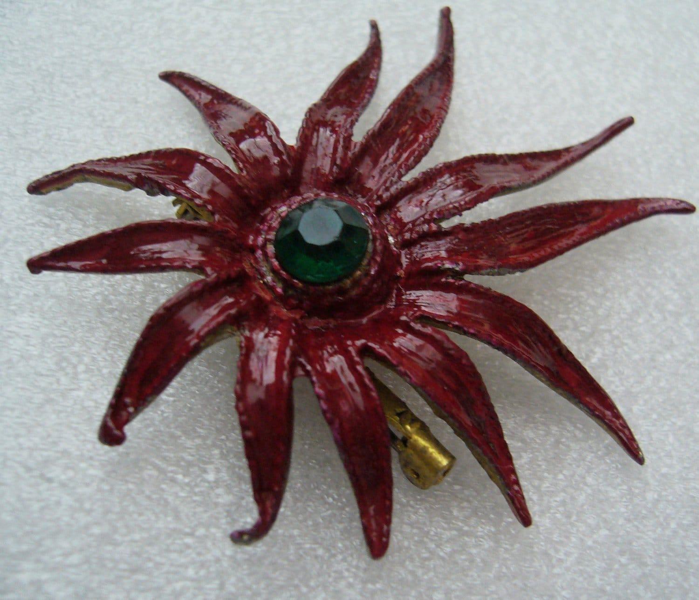 Vintage red enamel starfish pin/brooch - 1950's