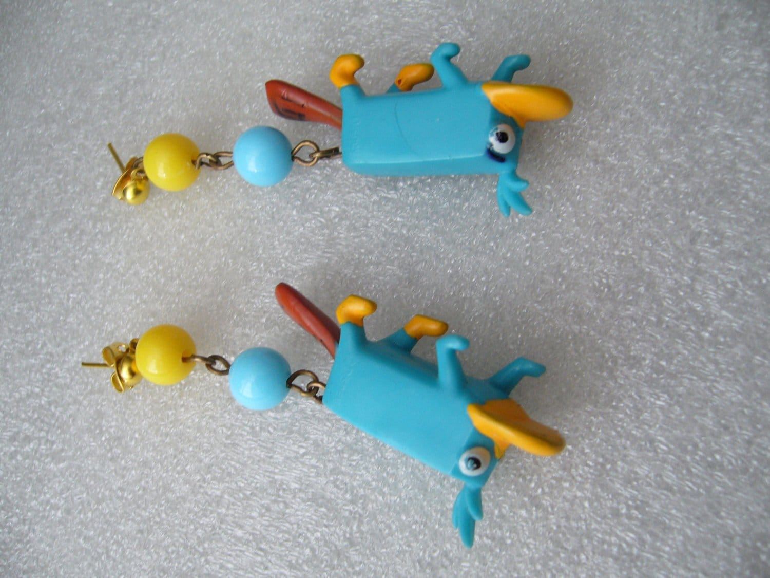 Vintage style funny plastic  piercing earrings with blue parrots
