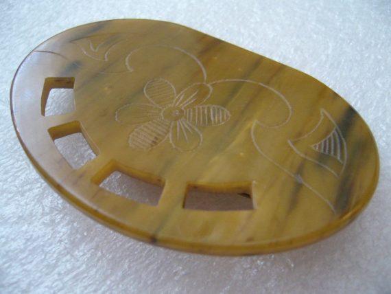 Vintage early plastic Galalith art deco carved flowers pin brooch - Bakelite era