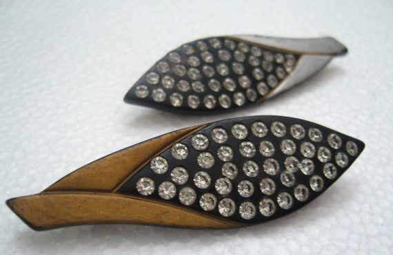 Vintage French early plastic & rhinestones pin / brooch