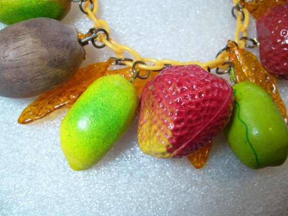 Vintage Carmen Miranda early plastic, lucite and wood leaves & fruits necklace