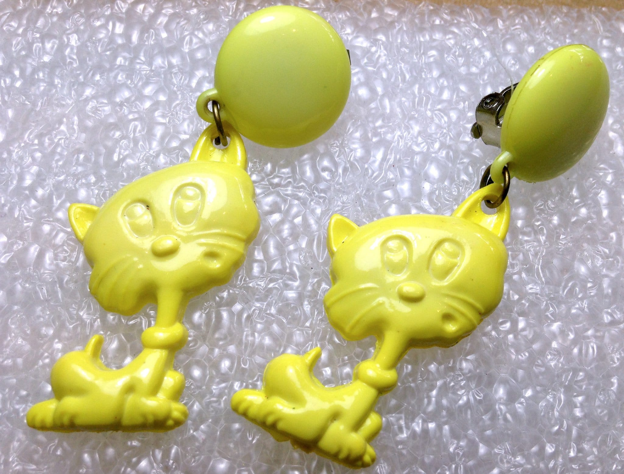 Vintage cats clip on earrings