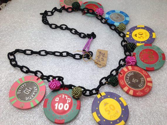 Vintage style poker chips gambling necklace - bakelite style
