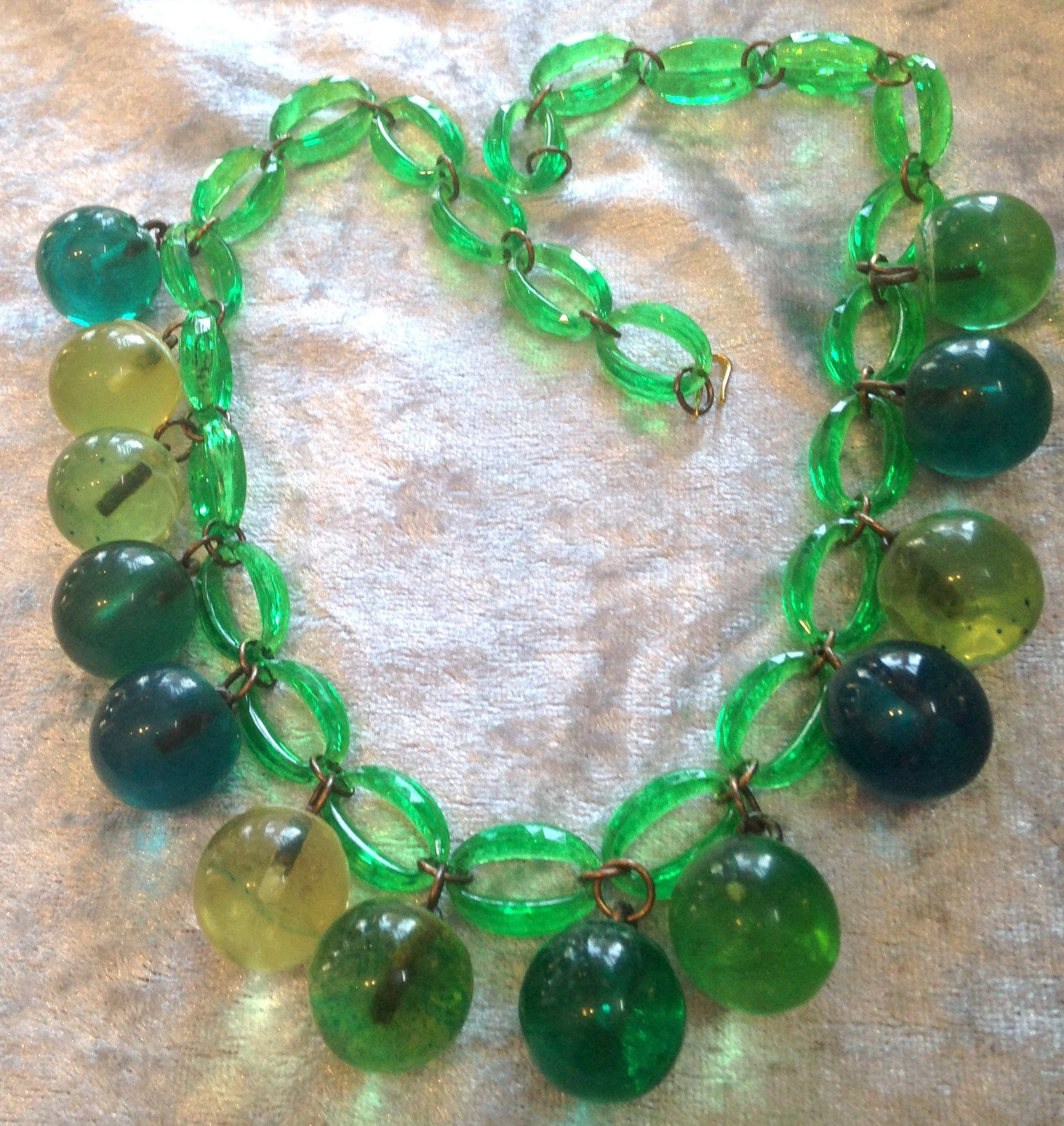 Vintage  early plastic 1960's balls necklace