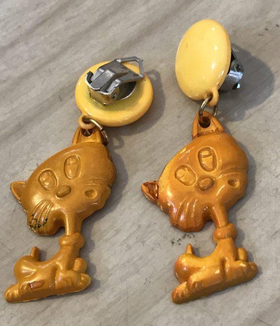 Vintage 1980's plastic orange cats clip on earrings - Summer sale!